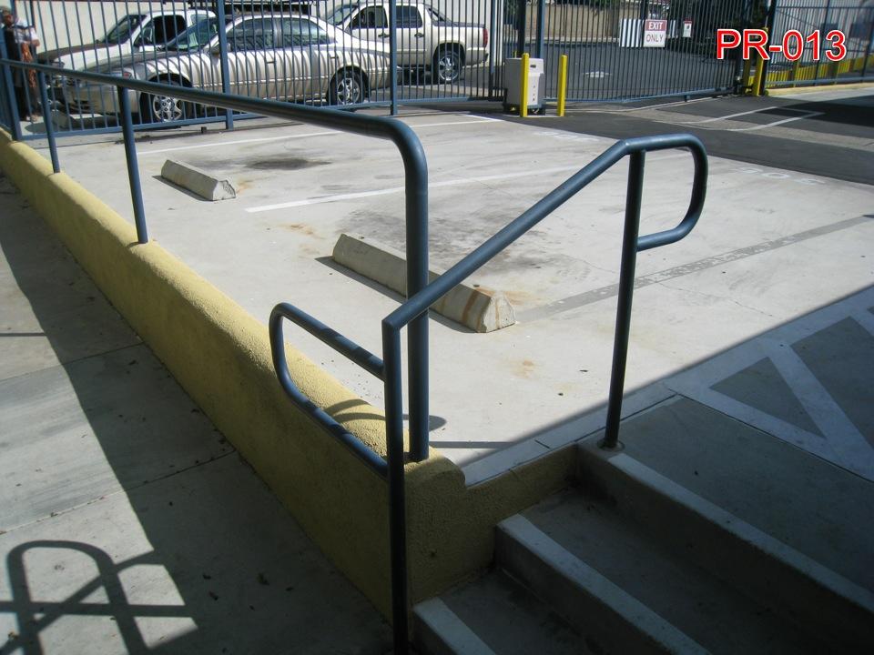 Pipe Railing - advanced Iron works